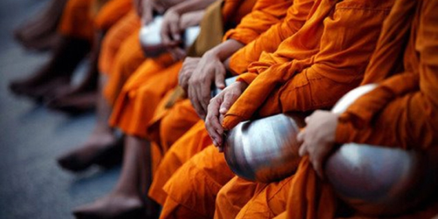 moines-et-leur-bol
